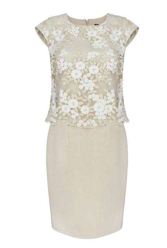 385ef87692 Beżowa sukienka wyszczuplająca z koronkową narzutką - LaKey Sisi dostawa w  24h 2